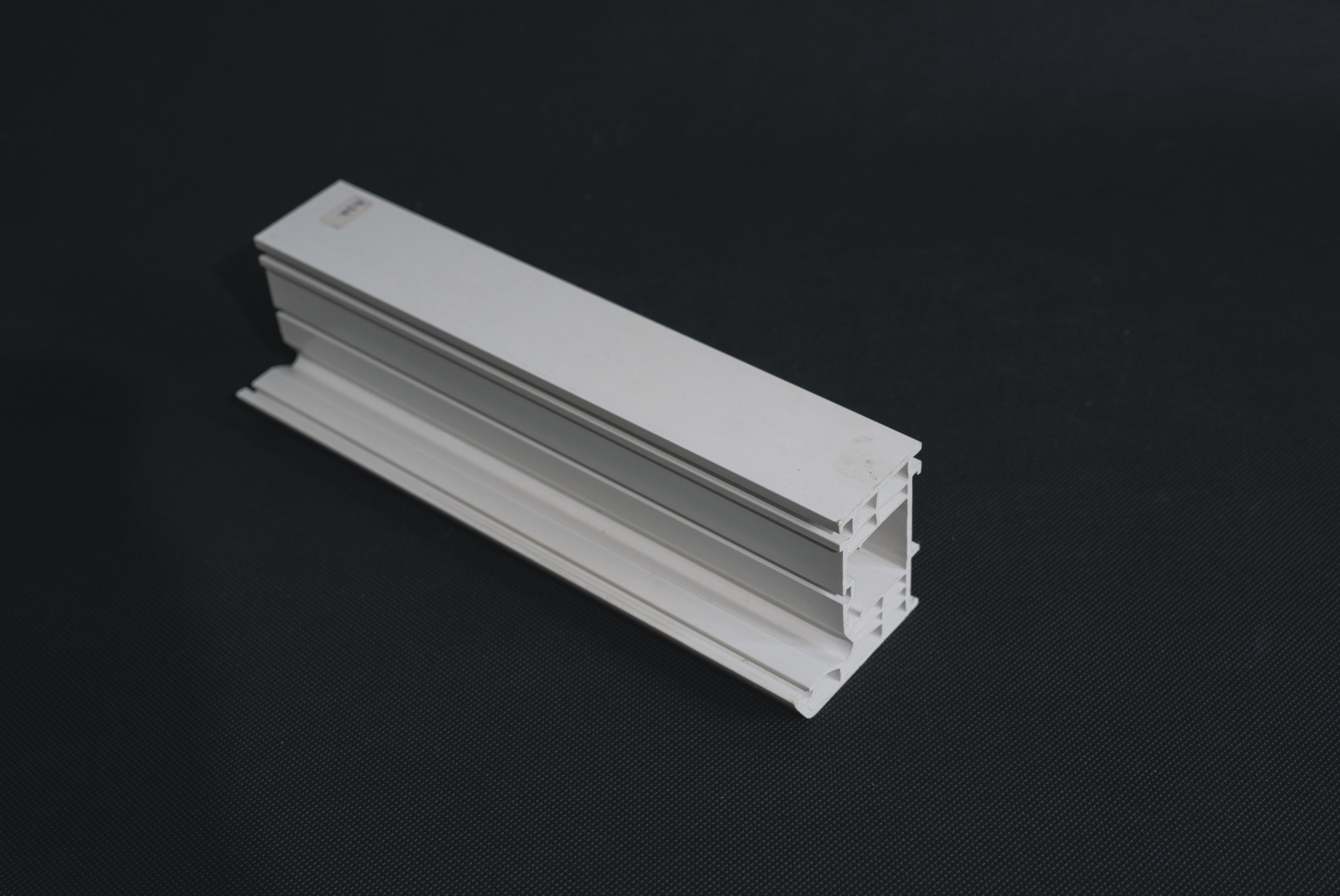 Comparison of cost between PVC floor and solid wood floor